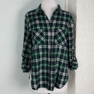En creme plaid button down shirt